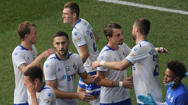 Футболисты Динамо