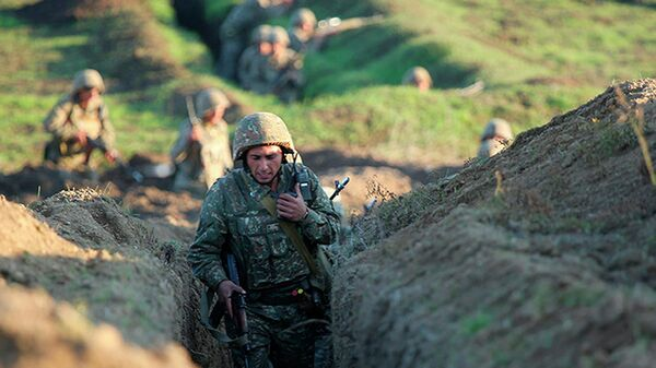 Армянские военные занимают позиции на линии фронта в Тавушской области, Армения