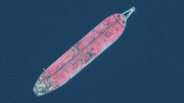 Нефтяной танкер FSO Safer у морского терминала Рас-Иса, Йемен