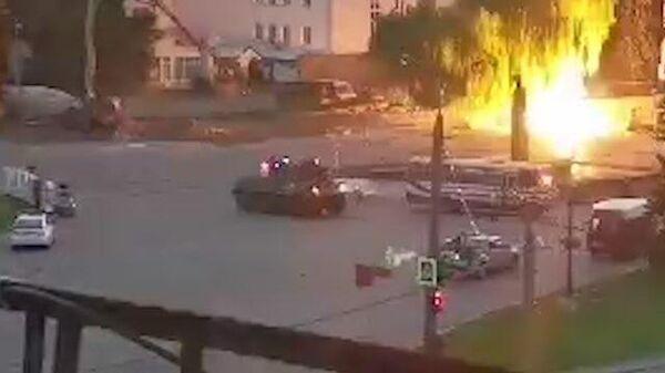 Кадры штурма и освобождение заложников из захваченного автобуса в Луцке