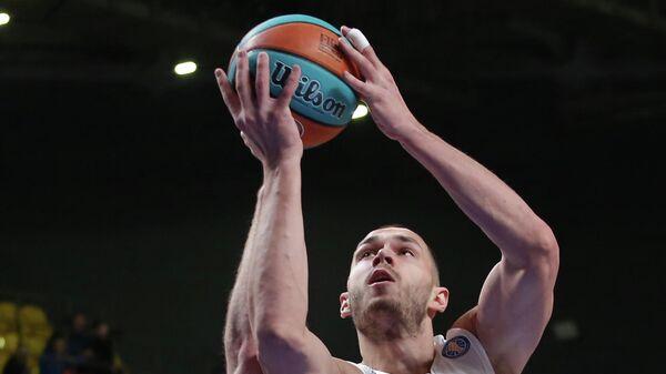 Баскетболист Енисея Александр Гудумак
