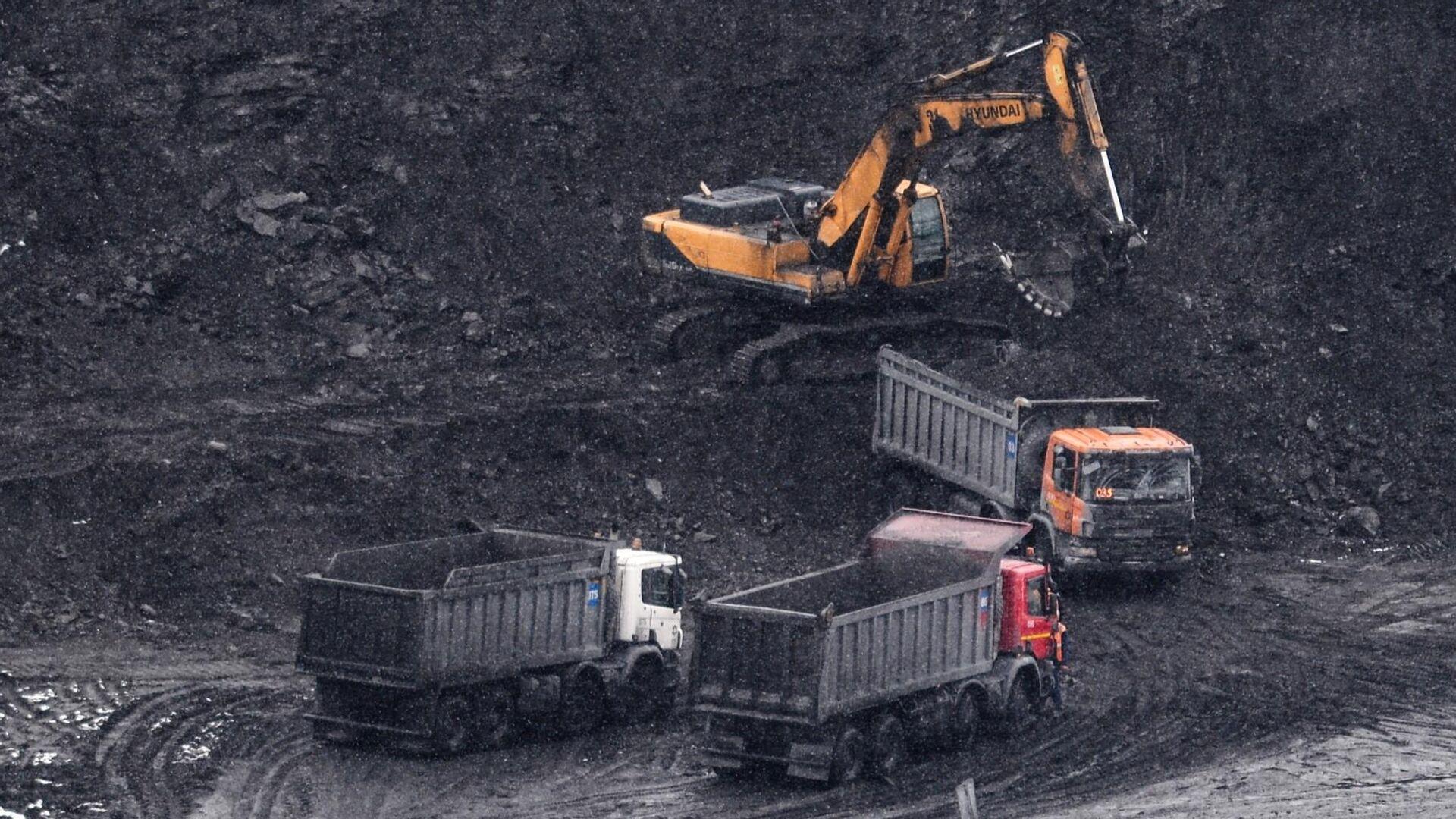 1574763256 569:325:2377:1342 1920x0 80 0 0 f07a31900df7c708a15fc60488d88820 - МЭР ожидает снижения добычи угля в России на 10,5 процента в этом году