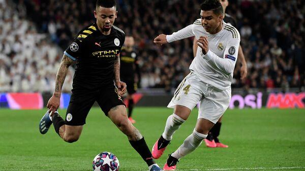 Игровой момент мачта между Манчестер Сити и мадридским Реалом