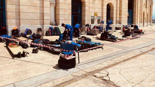 Российские спасатели в Бейруте заканчивают разворачивать мобильный госпиталь