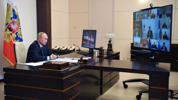 Путин попросил Минфин не сокращать финансирование ряда направлений