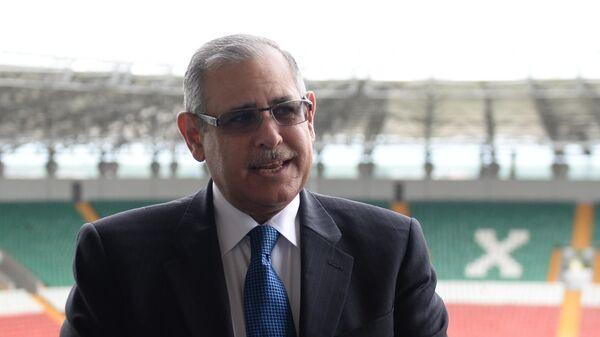 Чрезвычайный и полномочный посол Арабской Республики Египет Ихаб Ахмед Талаат Наср на стадионе Ахмат Арена в Грозном