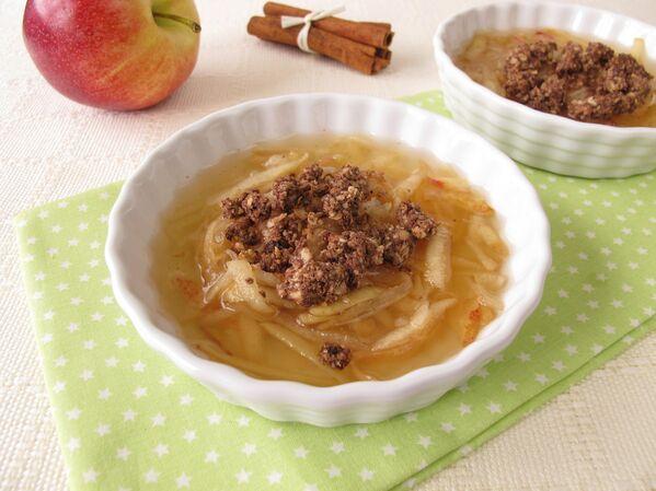 Яблочный суп с корицей