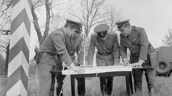 Совместное решение вопросов охраны границы советскими и польскими пограничниками