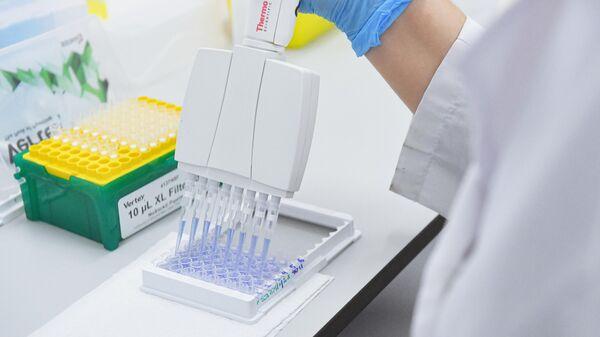 Испытания и производство вакцины от COVID-19 в лаборатории центра эпидемиологии и микробиологии имени Н.Ф. Гамалеи