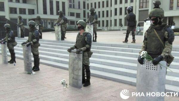 Около Дома правительства в Минске появились милицейские кордоны