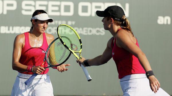 Теннисистки американка Хейли Картер и Луиза Стефани
