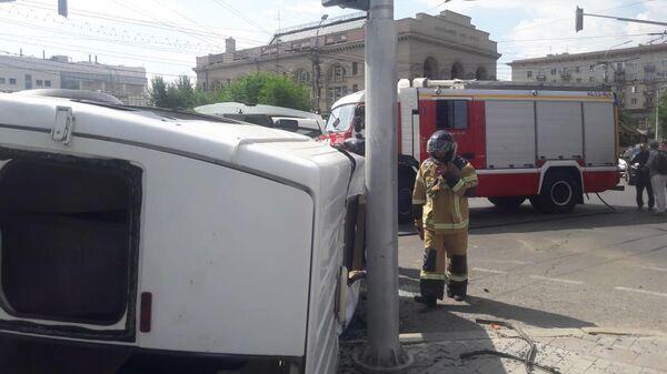 ДТП с маршруткой и легковой автомашиной в Волгограде