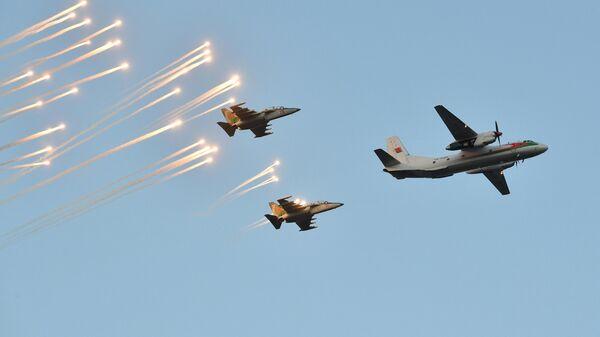 Самолеты Як-130 и Ан-26 Военно-Воздушных Сил Белоруссии