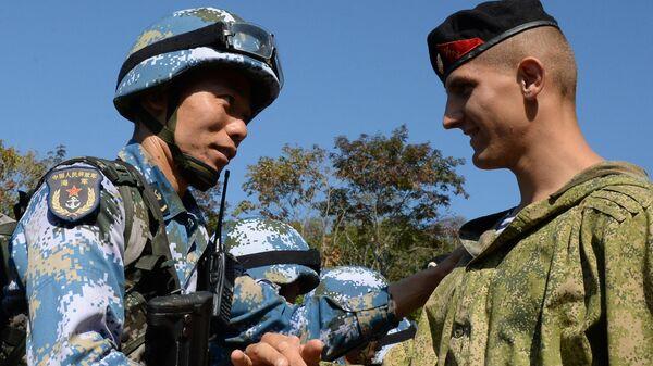 Морские пехотинцы армий России и Китая на совместной тренировке на полигоне Горностай в Приморском крае