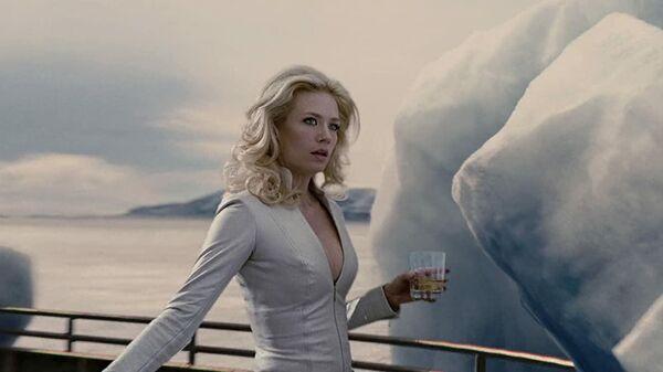 Дженьюари Джонс в роли Эммы Фрост в фильме Люди Икс: Первый класс(2011)