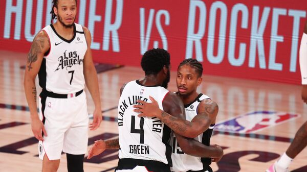 Баскетболисты Лос-Анджелес Клипперс в матче плей-офф НБА