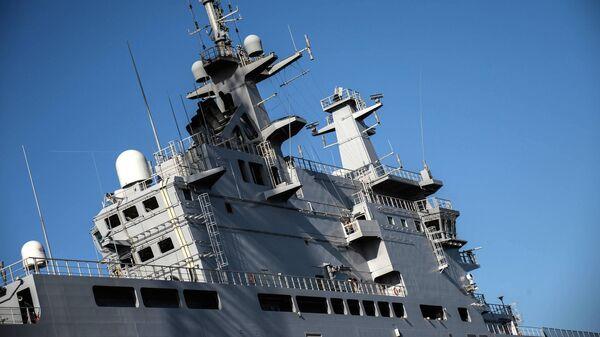 Универсальный десантный корабль Владивосток класса Мистраль в доках французской компании SNX France