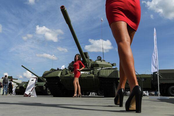 Танк Т-55А в статичной экспозиции выставки на Международном военно-техническом форуме (МВТФ) Армия-2020 в военно-патриотическом парке Патриот