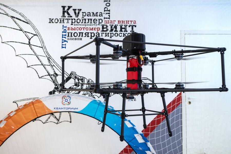Демонстрация полёта соосного октокоптера в детском технопарке Кванториум Сампо в Петрозаводске
