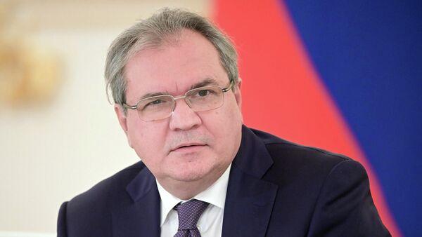 Советник президента РФ председатель Совета при президенте РФ по развитию гражданского общества и правам человека Валерий Фадеев