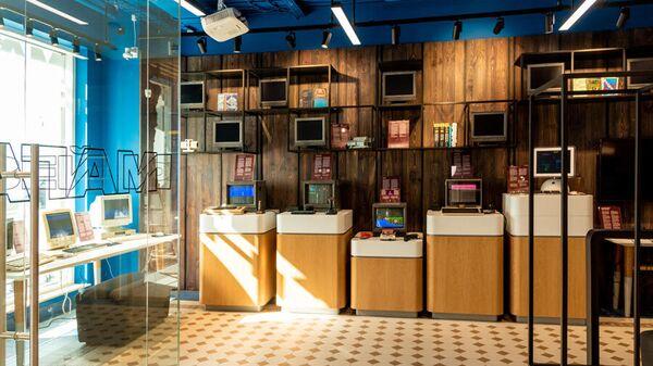 Музей и магазин Яндекса на Невском проспекте в Петербурге