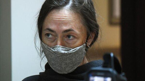 Жена актера Михаила Ефремова Софья Кругликова в здании Пресненского суда города Москвы