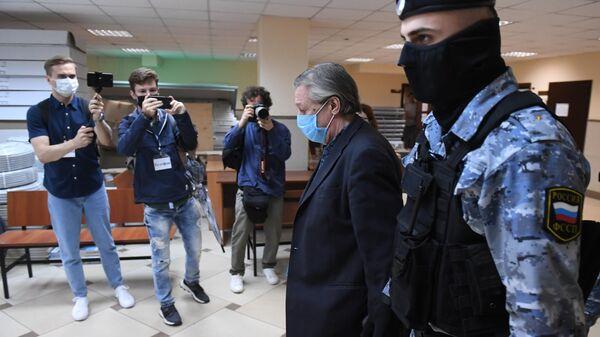 Актер Михаил Ефремов в здании Пресненского суда города Москвы, где будет оглашен приговор по делу о ДТП со смертельным исходом