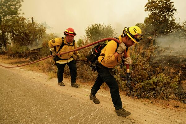 Пожарные в Толлхаусе, штат Калифорния, США