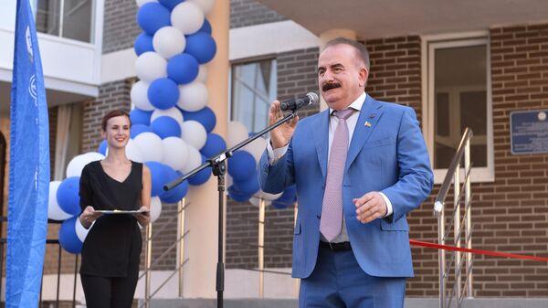 Ректор ДГТУ Бесарион Месхи на открытии нового общежития вуза