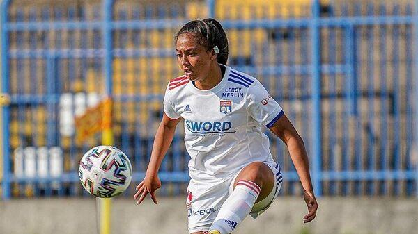 Футболистка Лиона Сальма Баша.