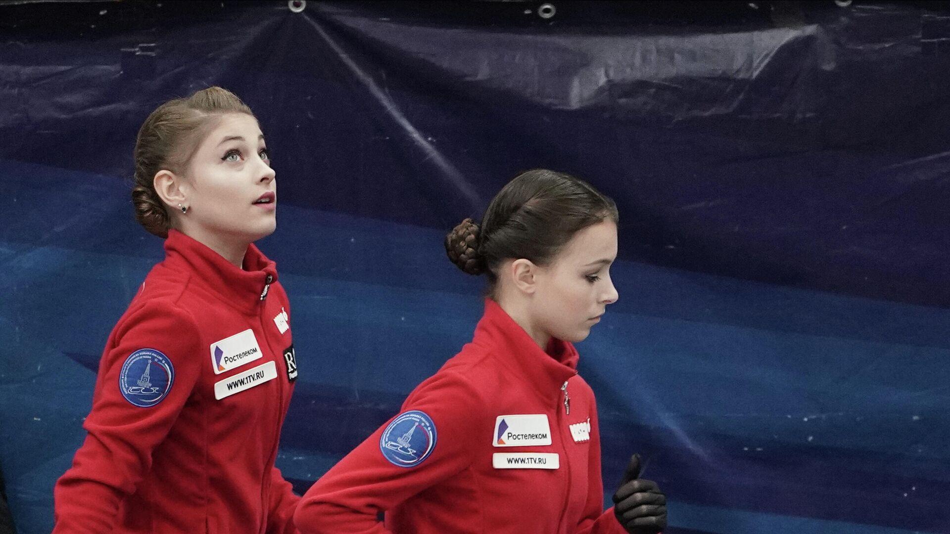 Алена Косторная, Анна Щербакова и Камила Валиева - РИА Новости, 1920, 12.09.2020