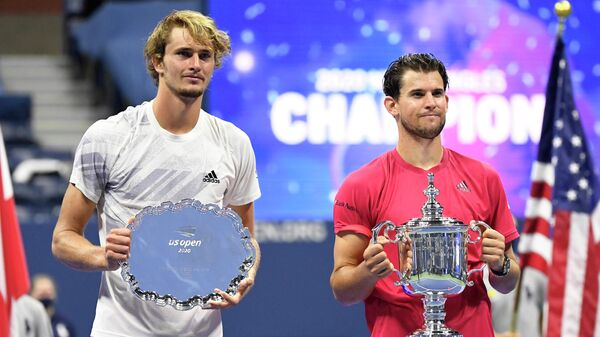 Слева направо: теннисисты Александр Зверев (Германия) и Доминик Тим (Австрия)