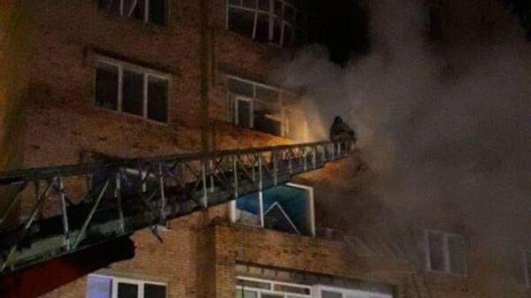 Пожар в квартире на четвертом этаже многоквартирного дома по улице Сююмбике в Нижнекамске