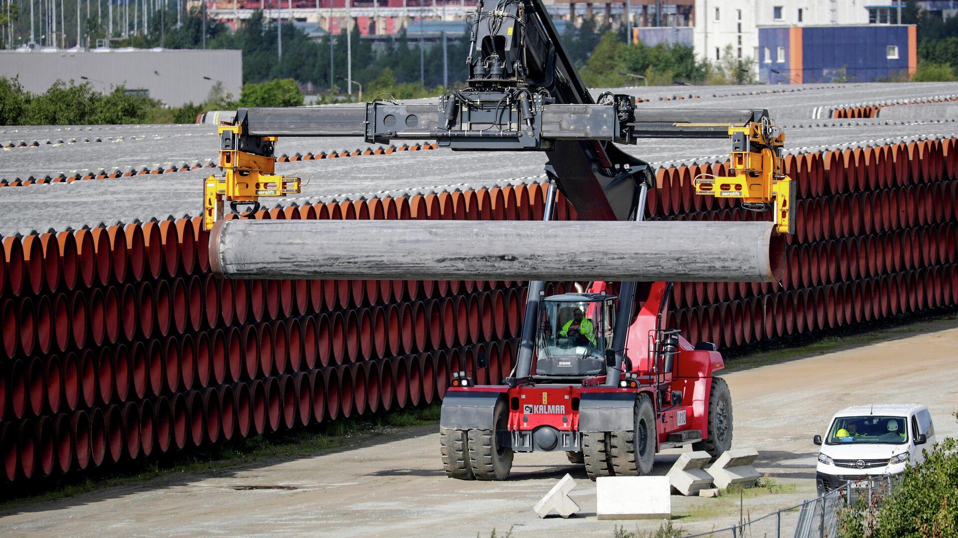 Трубы для строительства газопровода Nord Stream 2 на площадке в порту Мукран, Германия - РИА Новости, 1920, 21.09.2020