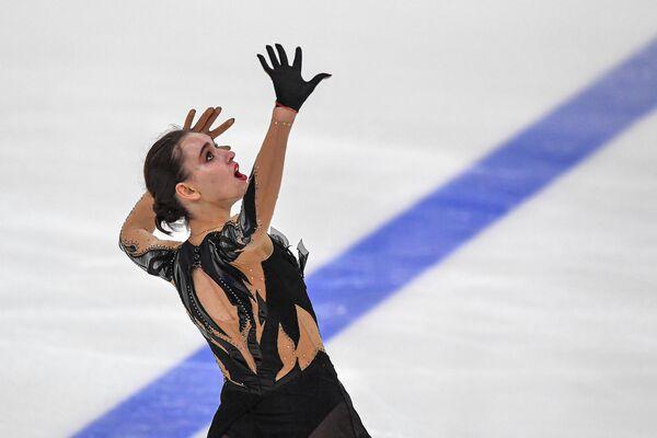 Мария Талалайкина выступает с произвольной программой