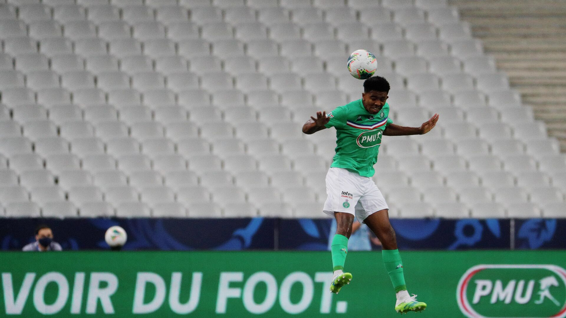 Saint-Etienne's French defender Wesley Fofana jumps for the ball  during the French Cup final football match between Paris Saint-Germain (PSG) and Saint-Etienne (ASSE) on July 24, 2020, at the Stade de France in Saint-Denis, outside Paris. (Photo by GEOFFROY VAN DER HASSELT / AFP) - РИА Новости, 1920, 24.09.2020