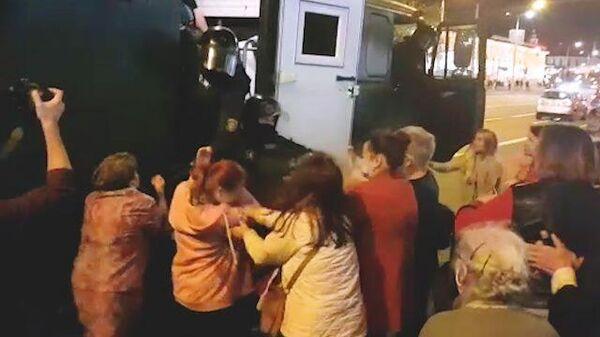 Дубинки и водометы: протесты в Белоруссии вспыхнули с новой силой