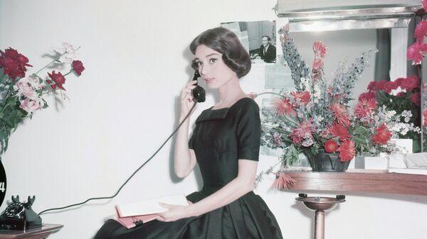 1577758895 0:194:2635:1676 600x0 80 0 0 538651b85b549d1e7dd8fabeb8f8477b - Юбка Монро, черное платье Хепберн. Кто вдохновлял знаменитых модельеров
