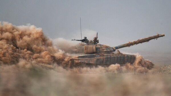 Танк Т-90А на командно-штабных учениях Кавказ-2020 на полигоне Капустин Яр