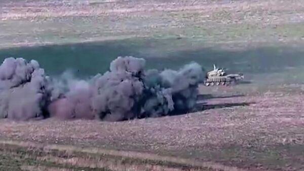 Уничтожение азербайджанских танков военными Армении. Сто-кадр видео