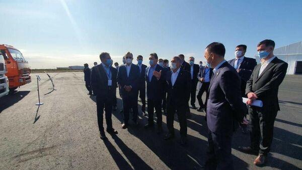 Торжественная церемония закладки первого камня в основание нового завода по производству чугунного литья для деталей грузовой техники КАМАЗ в Казахстане