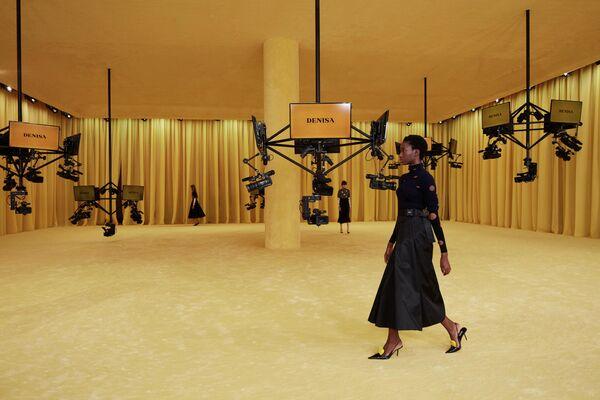 Показ коллекции Prada в рамках Недели моды в Милане