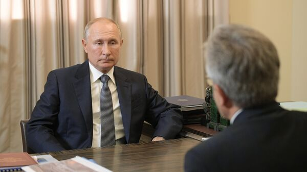 Президент РФ Владимир Путин во время встречи с президентом РАН Александром Сергеевым