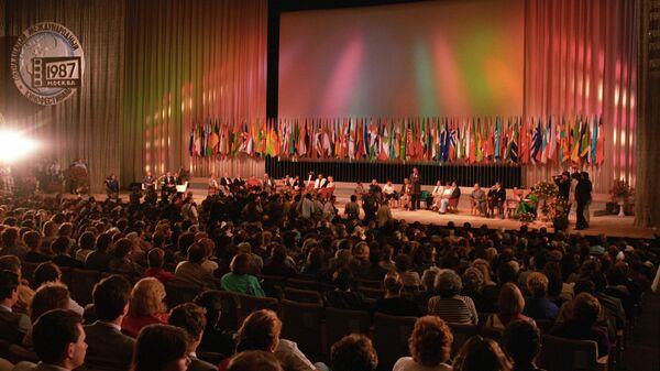 Торжественная церемония открытия XV Московского международного кинофестиваля