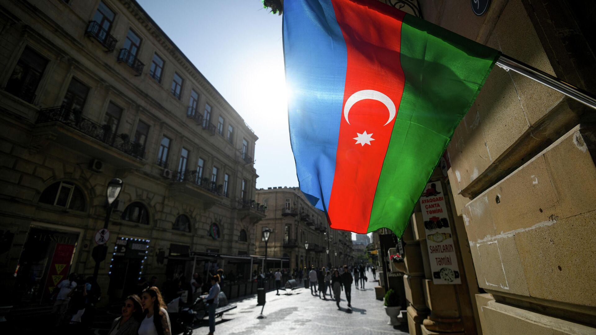 Флаг Азербайджана в Баку - РИА Новости, 1920, 01.08.2021