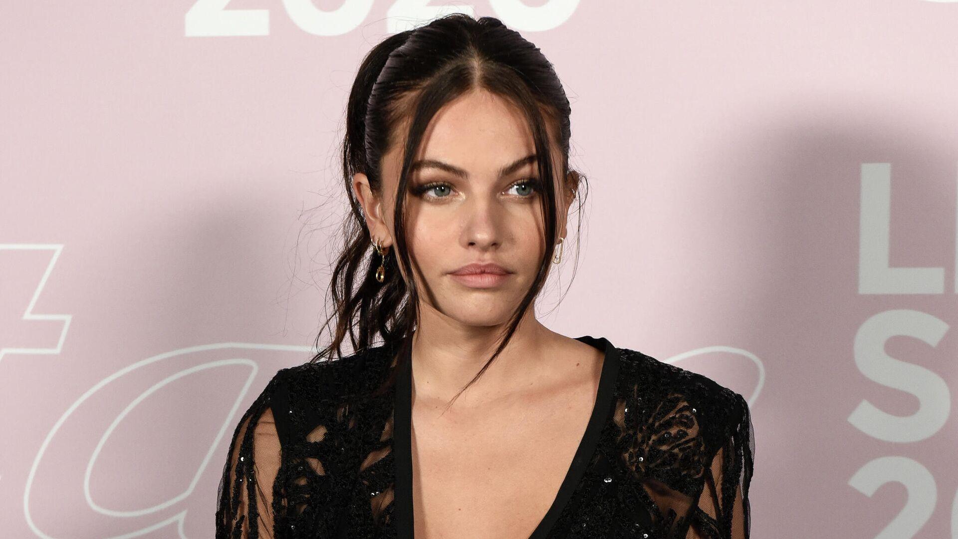 1577990682 0:229:2048:1381 1920x0 80 0 0 590b44adea2f3c00d06c18a83489692b - Самая красивая девушка в мире восхитила публику на модном показе в Париже