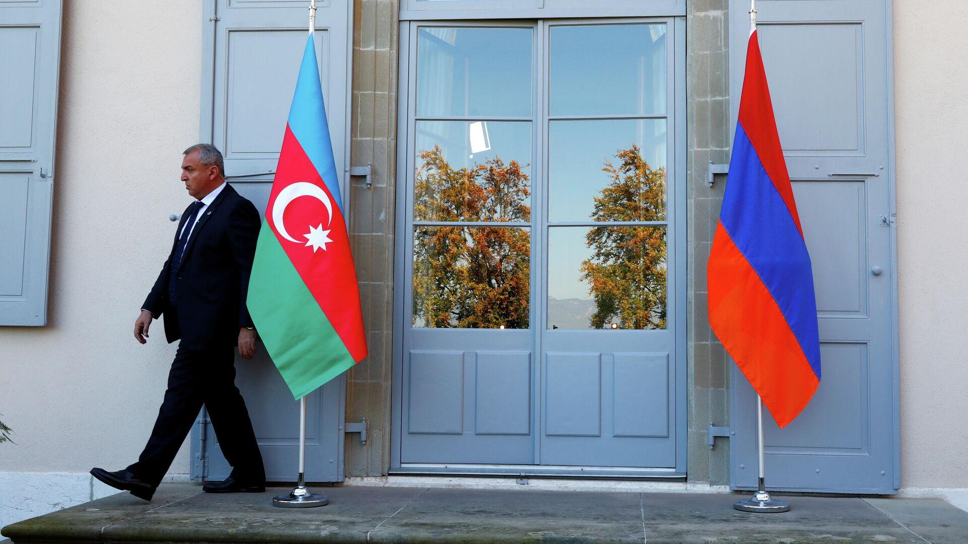 Флаги Азербайджана и Армении - РИА Новости, 1920, 05.10.2020