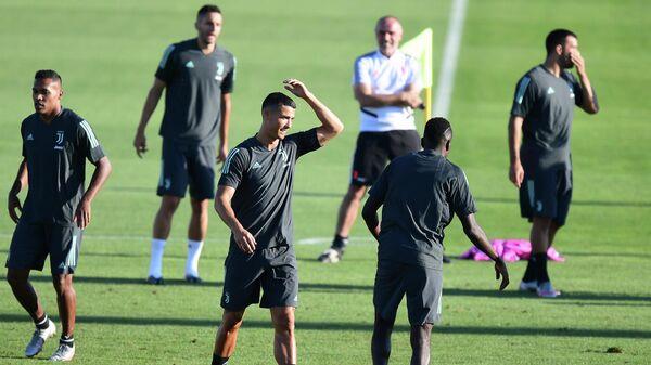 Футболисты Ювентуса на тренировке