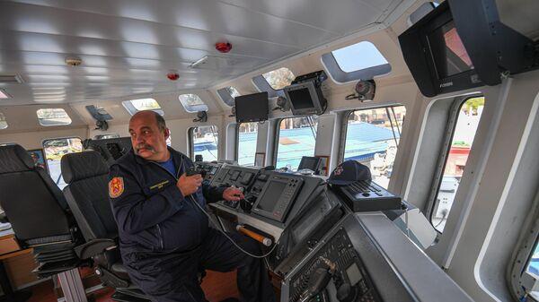 Пожарно-спасательный корабль Полковник Чернышев
