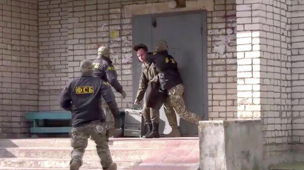 Спецоперация по задержанию подозреваемых в госизмене в Пскове и Смоленске